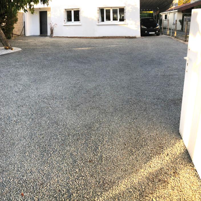Création d'une allée dans une entrée de maison