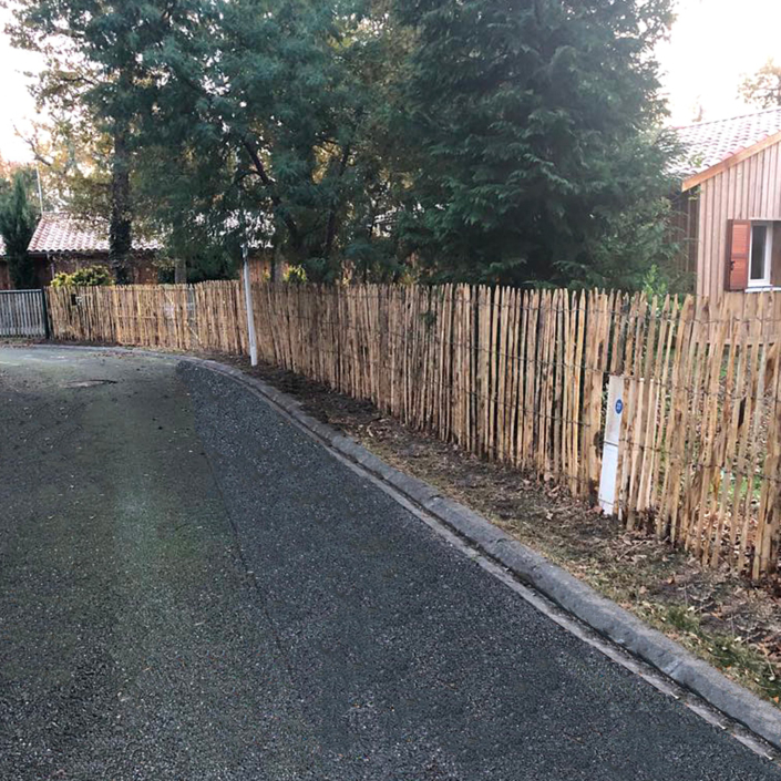 Pose d'une clôture en bois